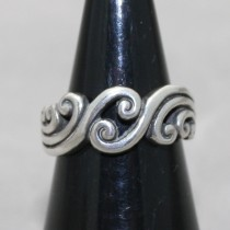 Curl wave ring
