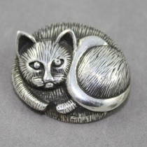Sleeping Cat Brooch