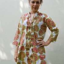 Kaftan with pintucking