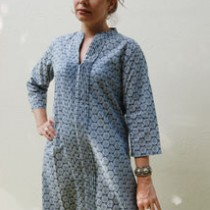 Circles kaftan with pintucking