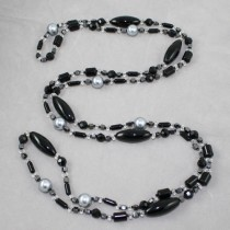 Long crystal, pearl and onyx