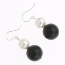 Onyx pearl drop