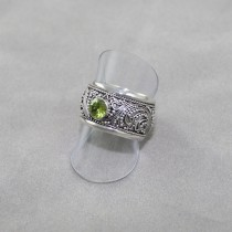 Peridot filagree ring
