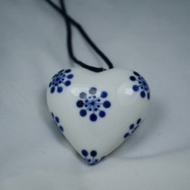 Anne Black Ceramic Hearts